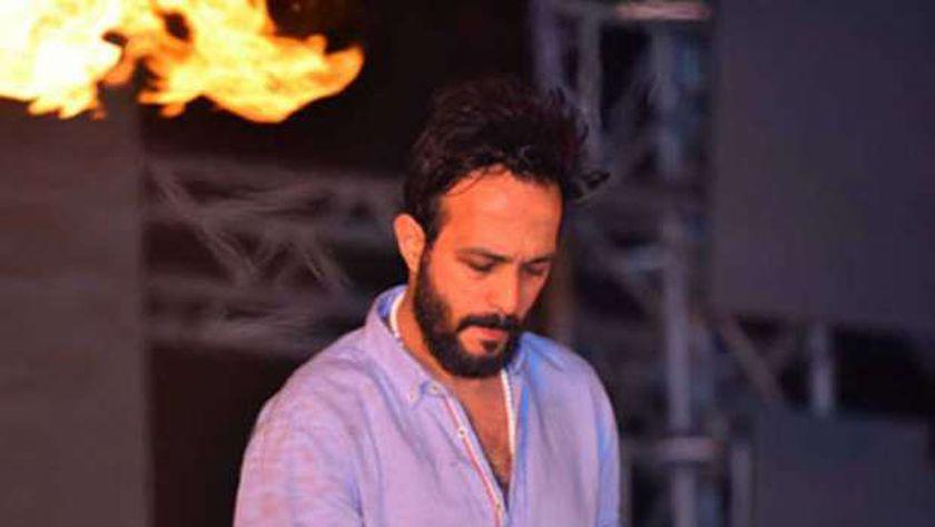 الفنان أحمد عصام