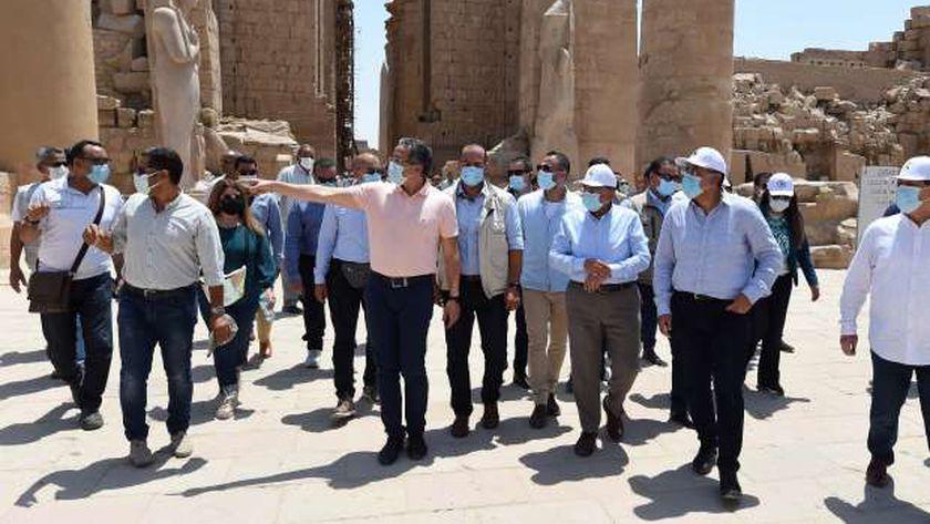 رئيس الوزراء خلال زيارة سابقة إلى معبد الكرنك بالأقصر