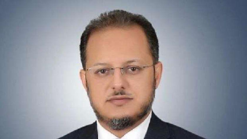 الدكتور أحمد ثويني العنزي رئيس الجمعية الطبية الكويتية