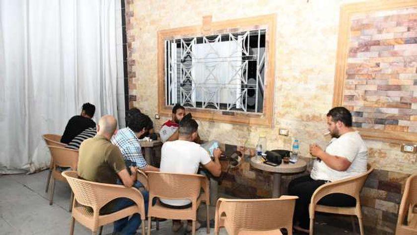تحرير 64 مخالفة عدم ارتداء كمامة وغلق 63 مقهى ومحل تجاري بالفيوم