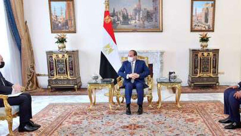 الرئيس السيسي مع نائب رئيس الوزراء ووزير الخارجية وشئون المغتربين بالأردن