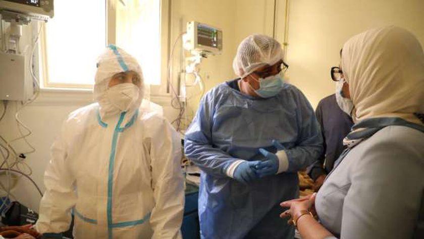 وزيرة الصحة في مستشفى عزل سوهاج
