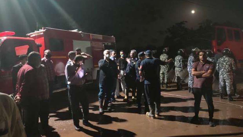 مدير أمن المنوفية يتفقد موقع حريق بركة السبع