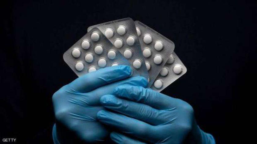 رحلة بحث المواطنين عن أدوية الفيتامينات