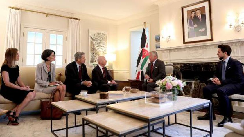 ملك الأردن خلال لقائه بوزير الأمن الداخلي الأمريكي لبحث الانضمام لبرنامج الدخول العالمي