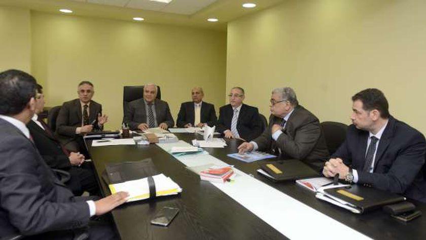 اجتماع سابق لأعضاء الهيئة الوطنية للانتخابات
