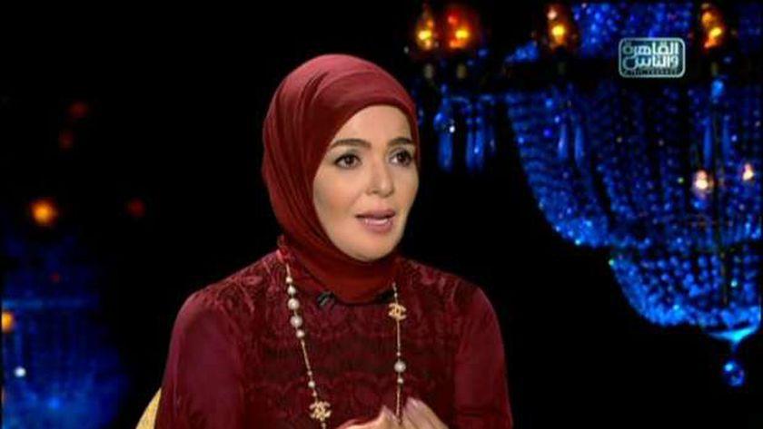 الفنانة مني عبد الغني