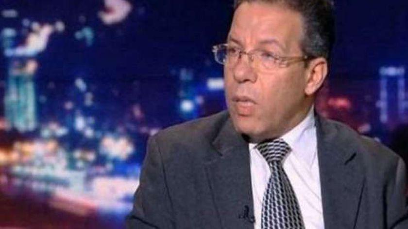 الدكتور أسامة عبد الحي عضو مجلس نقابة الأطباء