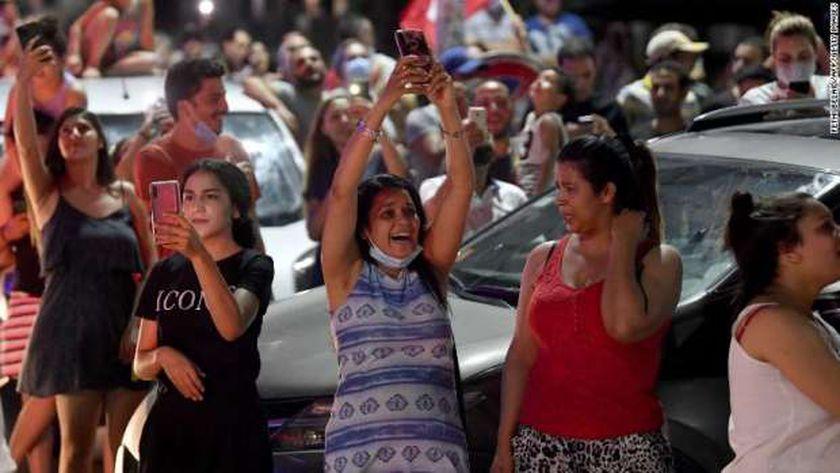 احتفالات في شوارع تونس بعد قرارات سعيد