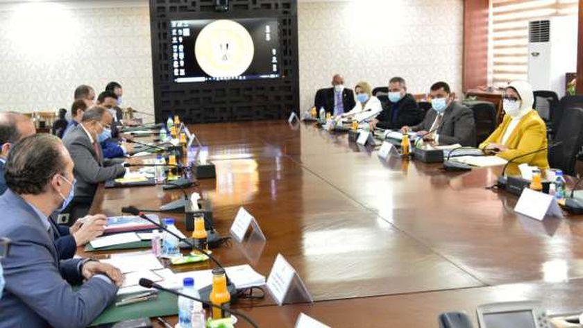 خلال اجتماع وزيرة الصحة ووزير التنمية المحلية
