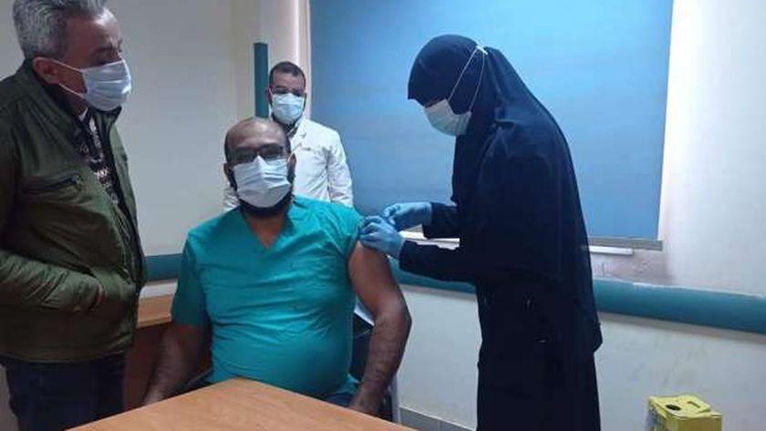 تطعيم الأطقم الطبية في الدقهلية