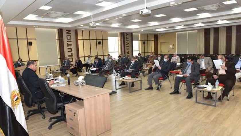 منح ٤٥ درجة دكتوراه وماجستير خلال اجتماع مجلس جامعة سوهاج