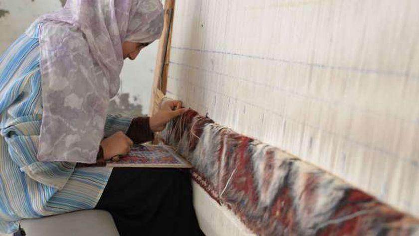 التنمية المحلية تدعم المرأة المعيلة