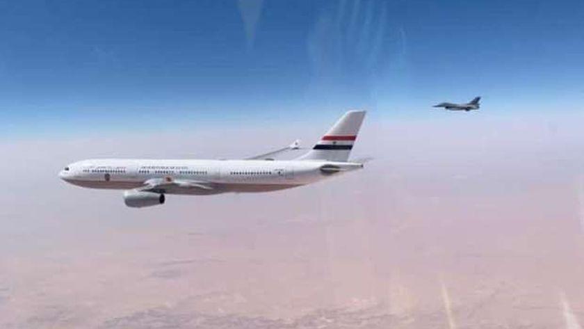 مقاتلة عراقية تستقبل طائرة الرئيس عبد الفتاح السيسي