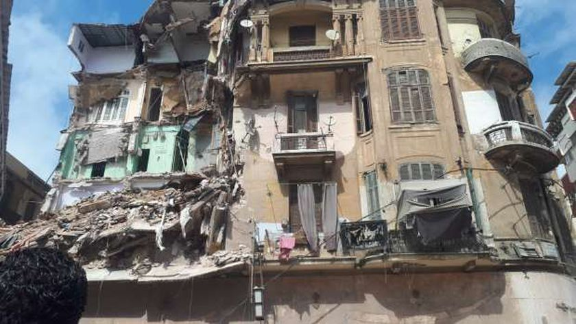 انهيار عقار في العطارين بالإسكندرية