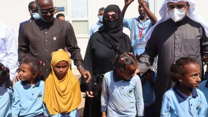 رئيس البرلمان العربي يزور مخيم أبخ للاجئين بجيبوتي