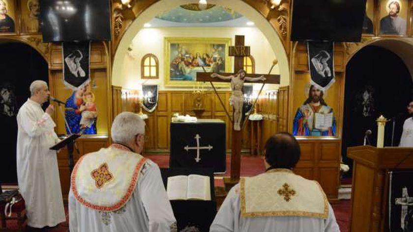 صلوات عيد القيامة للكهنة فقط