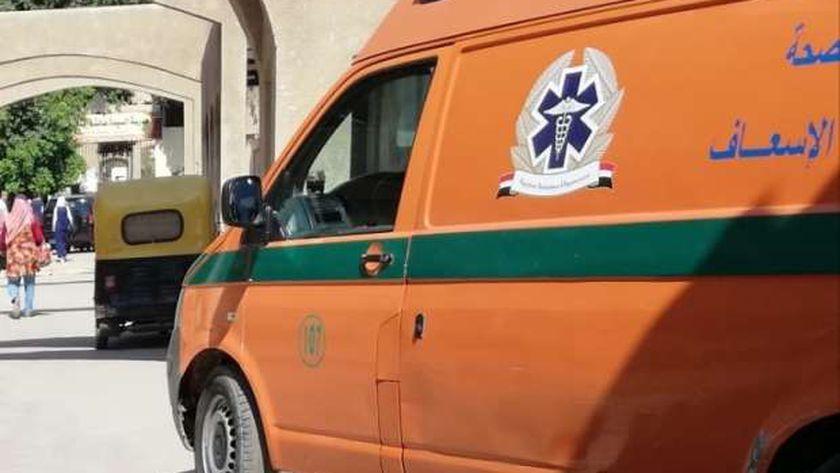 صورة إصابة رئيس جهاز مدينة ملوي الجديدة في حادث انقلاب سيارة بالمنيا – المحافظات