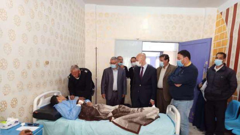 وكيل صحة الشرقية يتابع الحالة الصحية لـ 3 مصابين في قطار منيا القمح