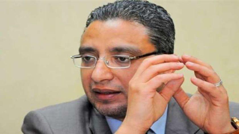 الدكتور أحمد الأنصاري محافظ سوهاج