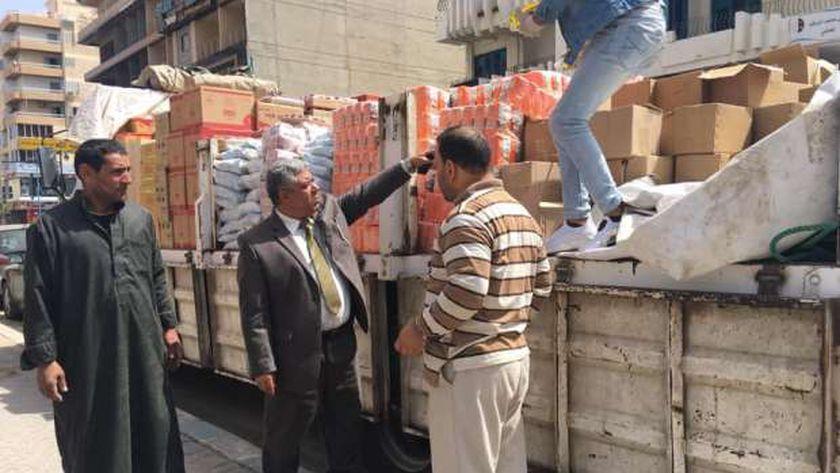 جانب من المضبوطات من المستلزمات الطبية والمطهرات المضبوطه خلال حملة تموينية بمطروح