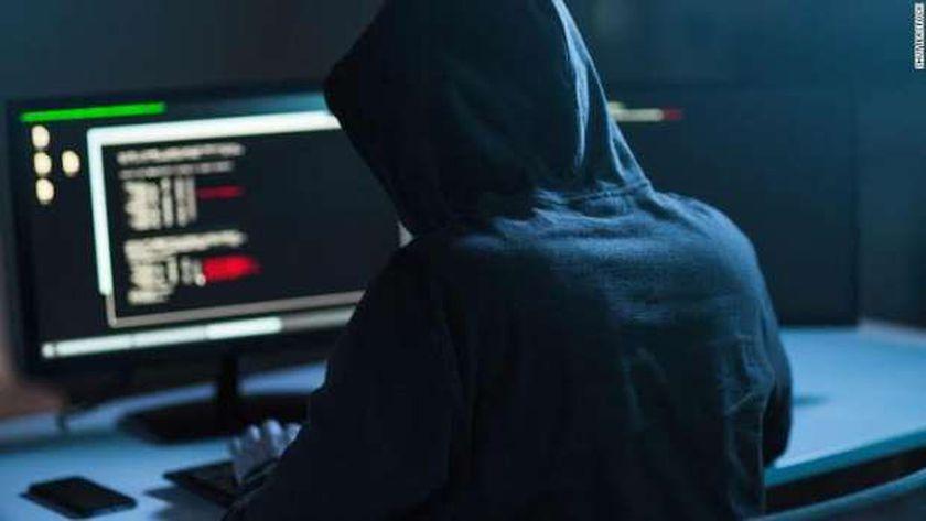 خبراء يحذرون من لينكات وهمية لسرقة الحسابات