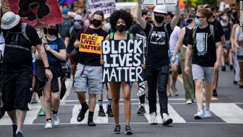 احدى مسيرات حركة السود مهمة المناهضة للعنصرية