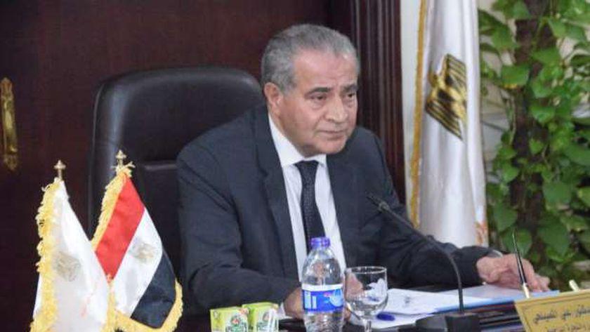 676 محلا شارك في الأوكازيون الشتوي.. والتموين: نتوقع وصولها لـ3 آلاف - مصر -