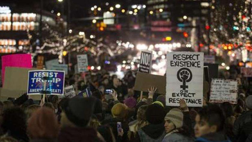 بالصور| احتجاجات في أمريكا بسبب قرار منع 7 دول من دخول الولايات المتحدة