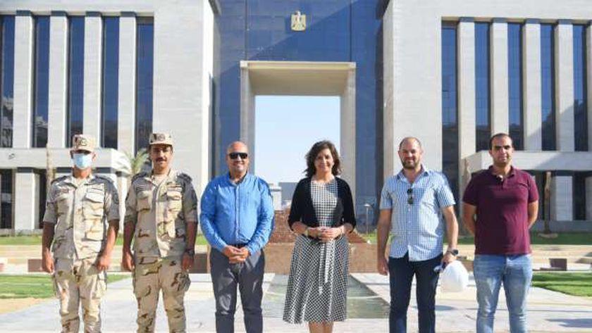 السفيرة نبيلة مكرم وزيرة الهجرة وشئون المصريين في الخارج تتفقد مقر وزارة الهجرة بالعاصمة الادارية الجديدة