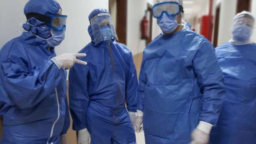 الفريق الطبي لمستشفى العزل بالمدينة الجامعية في بني سويف