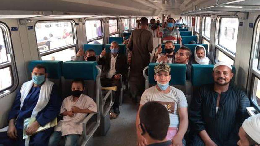 أحد رحلات الركاب بالقطارات الإضافية