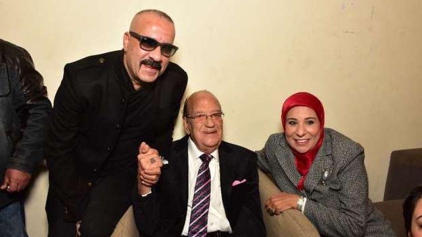 الفنان حسن حسني وزوجته
