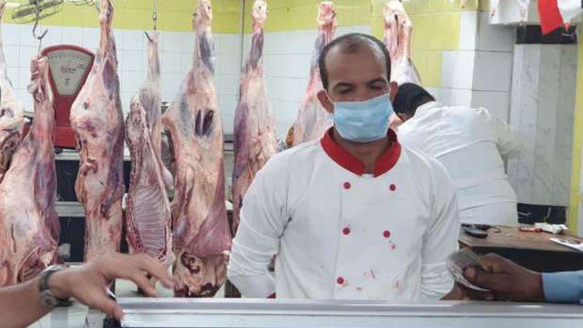 وزير التموين يوجه بتوفير اللحوم في المجمعات الاستهلاكية خلال أيام العيد