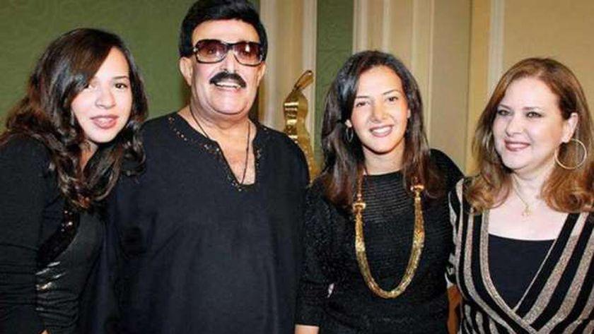 أسرة سمير غانم ودلال عبدالعزيز