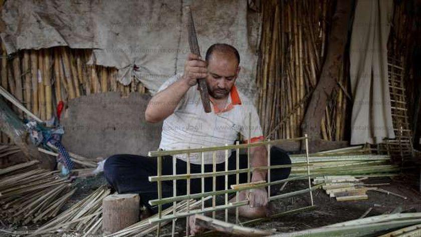 قرية «شنوان» تشتهر بصناعة الجريد