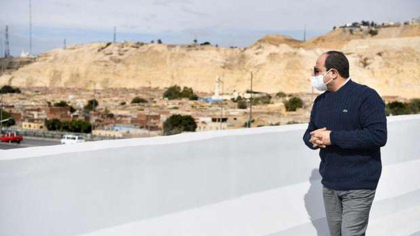 الرئيس السيسي خلال تفقده منطقة تطوير السيدة عائشة