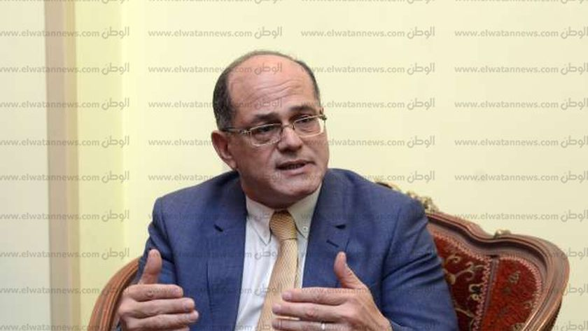 الدكتور أيمن صالح