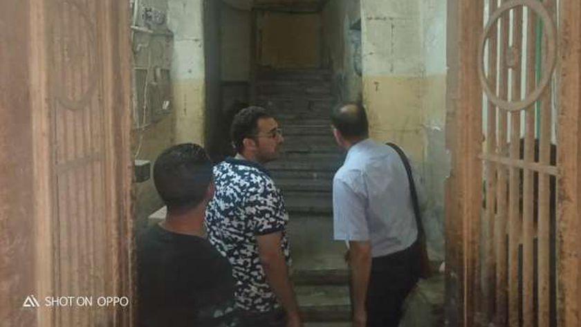 محافظ الغربية: إخلاء منزل سكني لسقوط بلكونته بالمحلة لتأمين أرواح المواطنين