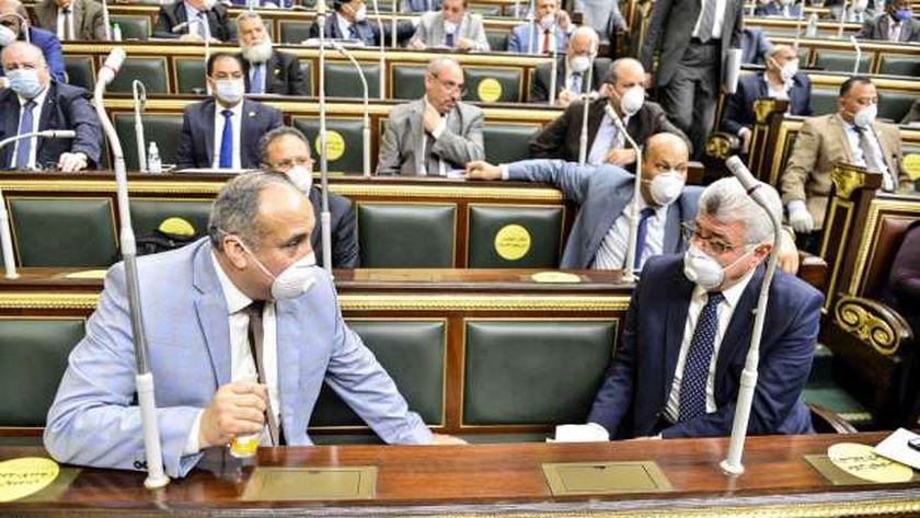 البرلمان يطبق إجراءات التباعد الاجتماعى