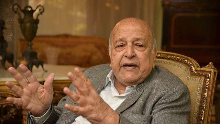 رجل الأعمال حسين صبور