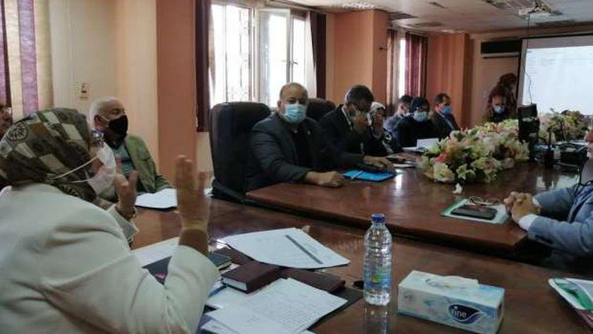 نائب محافظ القاهرة تتابع  خطة التطوير