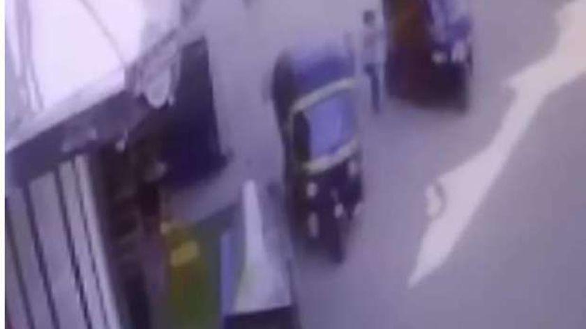 المحامي العام يقرر حبس سائق توك توك حاول طفلة أثناء سيره بشوارع المحلة