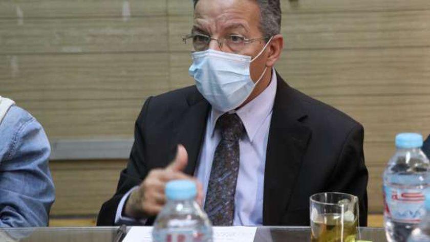 الدكتور أسامة عبد الحى، أمين عام نقابة أطباء مصر