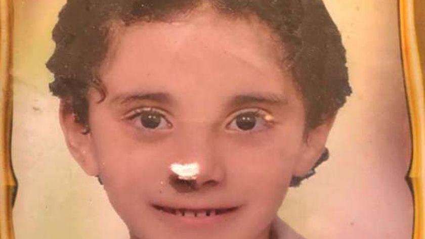 «زياد» الطفل المعجزة «الموهبة» حكاية طفل أجبره والده على مساعدة في قتل والدته وأشقاءه
