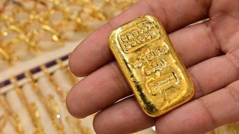 الذهب يستقر قبل أسابيع من عيد الأم