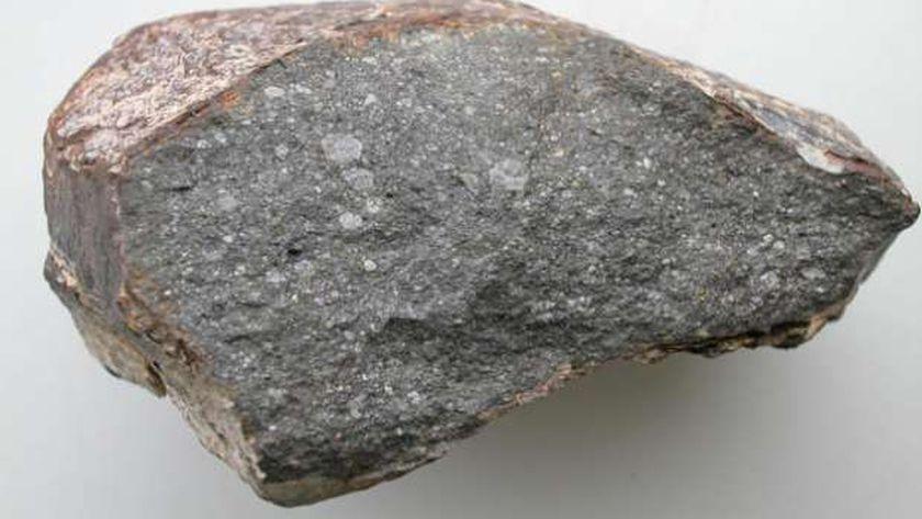 ضبط 12 طن أحجار يشتبه في احتوائها على خام الذهب بالبحر الأحمر حوادث الوطن