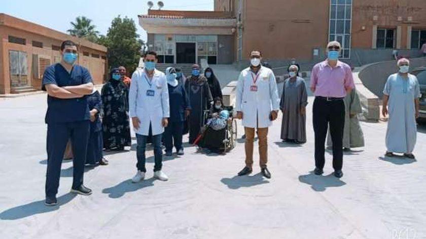 عدد من المتعافين يستعدون للخروج من مستشفى الواسطى