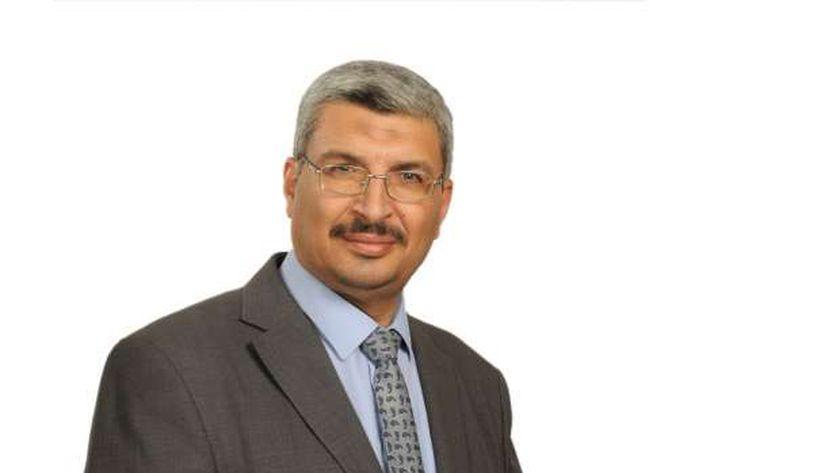 الدكتور عماد عويس