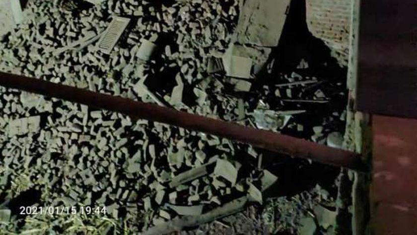 عاجل.. انهيار منزل قديم من 3 طوابق بنجع حمادي (صور)